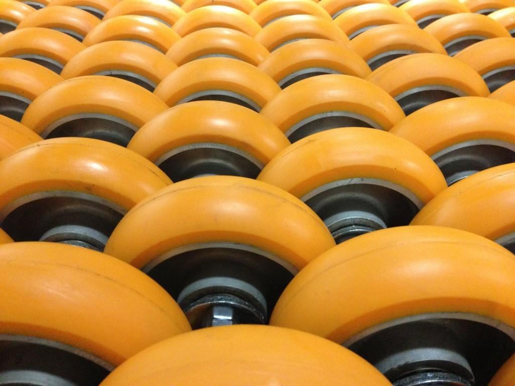 CC Apex rows of wheels