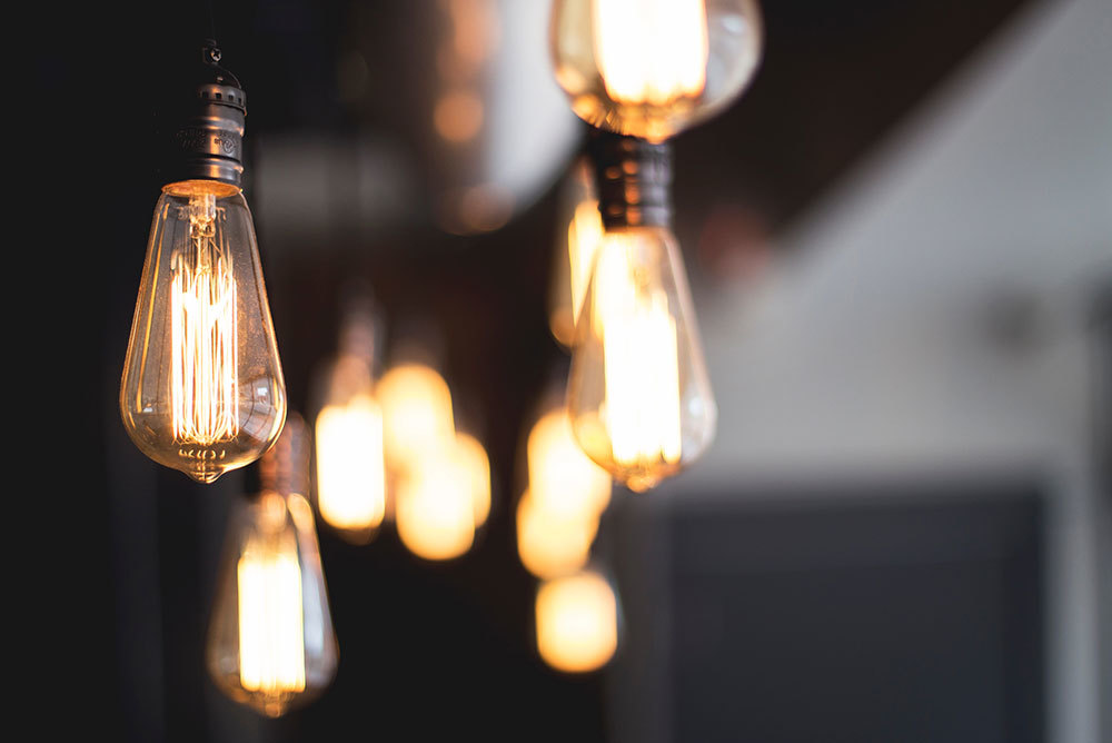 Caster-Connection-Edison-Lighting-