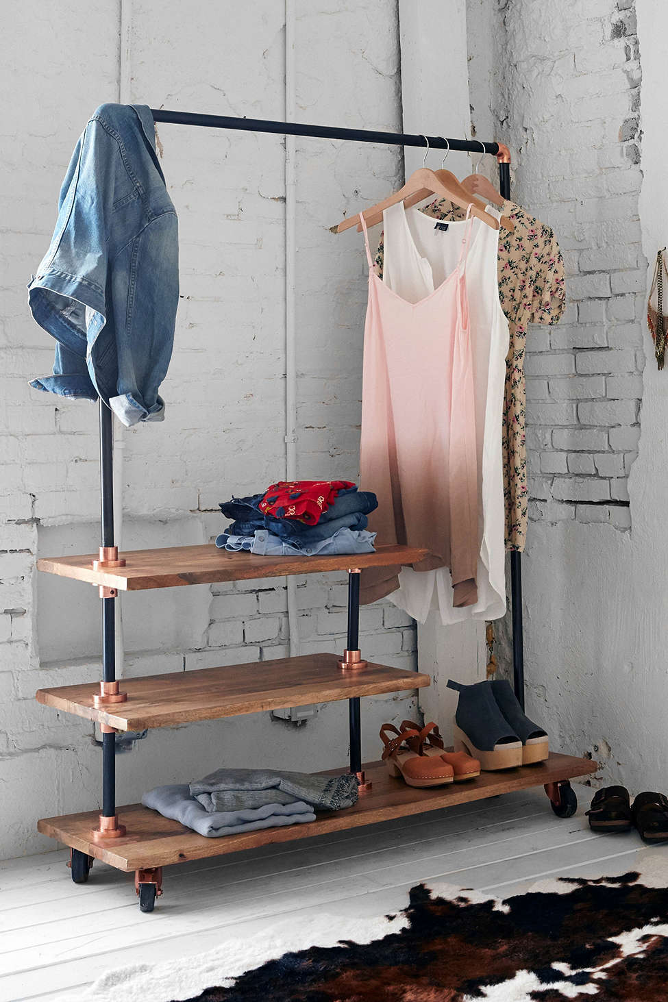 Pipe-Clothing-Rail