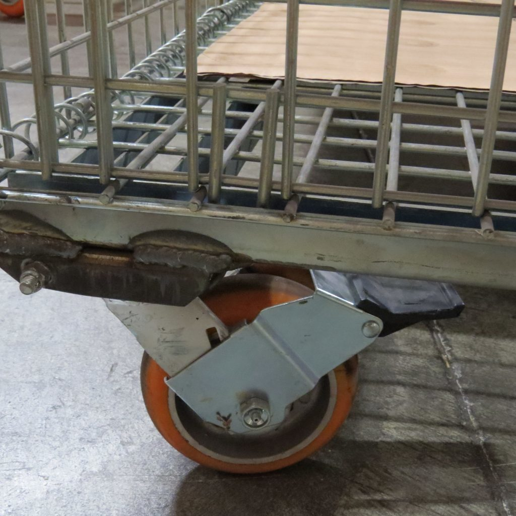 Caster Brake Under Cart - Needs Floor Lock