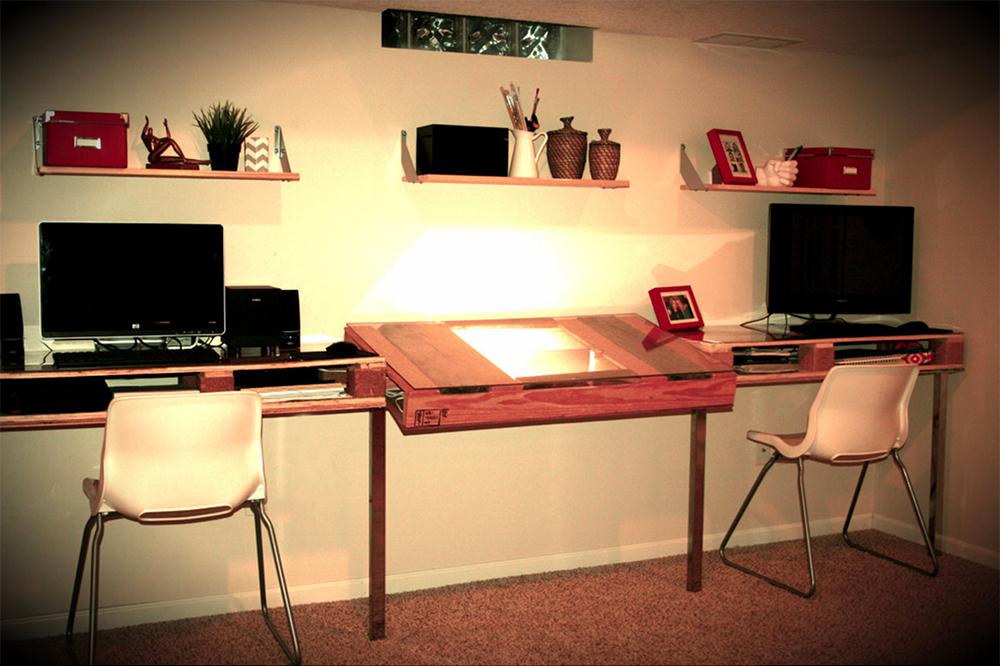 Wood-Pallet-Drafting-Table