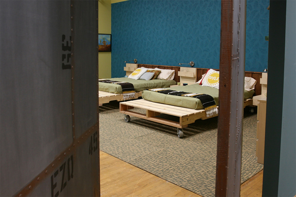 Wood-Pallet-Headboard-Bedframe-Combo